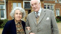 Waiting For God. Image shows from L to R: Diana Trent (Stephanie Cole), Tom Ballard (Graham Crowden). British Comedy Series, British Tv Comedies, Classic Comedies, British Actors, Stephanie Cole, British Humor, Bbc Tv, Comedy Tv, Television Program