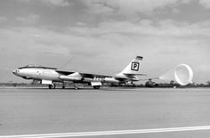 Boeing B-47B-40-BW Stratojet 51-2212 of the 306th Bombardment Wing landing at…