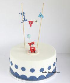 Marsispossu: Ristiäiskakku viirikoristeella, Christening cake with pennant