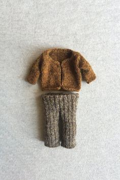 Nostalgic Knitting Pattern Inspired by the Frog and Toad Children's Books Knitting Stitches, Hand Knitting, Knitting Patterns, Knitting Toys, Sewing Patterns, Crochet Hooks, Knit Crochet, Aran Weight Yarn, Knit Stockings