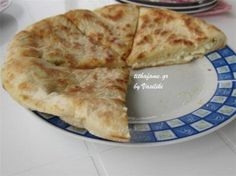 Φανταστική ποντιακή τυρόπιτα! - Filenades.gr Pastry Recipes, Chef Recipes, Greek Recipes, Food Network Recipes, Cooking Recipes, Recipies, Greek Cooking, Cooking Time, Greek Pastries