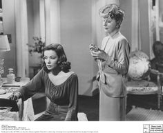Laura 1944 - Gene Tierney as Laura Hunt and Judith Anderson as her aunt Ann Treadwell. Ann, who's in love with Shelby Laura's fiance discusses why she is better for Shelby played by Vincent Price than Laura Gene Tierney, Vincent Price, Classic Hollywood, Old Hollywood, Hollywood Actresses, Best Film Noir, Laura Movie, Laura 1944, 20th Century Fox