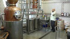 Suomalaisten pientuottajien ginit ja viskit herättävät laajaa kiinnostusta sekä kotimaassa että ulkomailla. Valmistajia on toistaiseksi vähän, mutta tislaamot ennakoivat alalle pienpanimoiden veroista buumia lähivuosina.