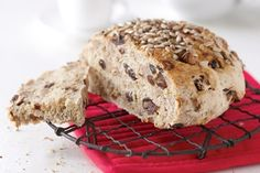 notenbrood, brood, dadels, vruchten, pitten, zaden, lijnzaad, bakken, recept