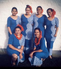 Island Wear, Island Outfit, Samoan Designs, Samoan Dress, Hawaiian Muumuu, Polynesian Tribal, Diy Scarf, Different Dresses, Blouse Patterns