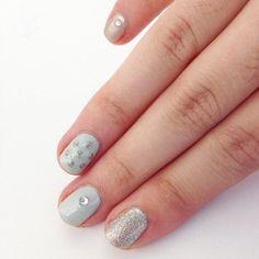 DIY Party Season Metallic Manicure // Wedding nails