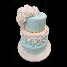 nice vancouver wedding #weddingcake #customcake #vancouverweddings #vancouvercakes #vancouver #eastvan #vancity #yvr by @sweetnom  #vancouverwedding #vancouverweddingcake #vancouverwedding