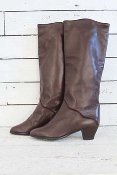 vintage 1970's boots http://www.sugarsugar.nl/vintage-schoenen-vintage-laarzen-c-35_34.html