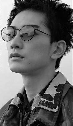 Japanese Men, Eyes, Glasses, Painting, Eyewear, Eyeglasses, Painting Art, Paintings, Eye Glasses