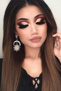 Make Up - the art of applying makeup . hair and beauty - Haare und Beauty - Make Up - die Kunst des Schminkens . Haare und Beauty Make Up - the art of applying makeup . Hair and beauty Cute Makeup, Glam Makeup, Gorgeous Makeup, Hair Makeup, Party Makeup, Rock Makeup, 2017 Makeup, Awesome Makeup, Dead Gorgeous