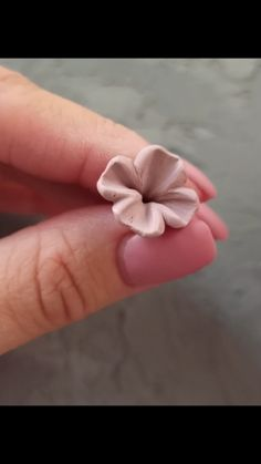 DIY Video Tutorial how to make polymer clay flowers, Beaded Wire Jewelry Making Polymer Clay Flowers, Polymer Clay Crafts, Diy Clay, Polymer Clay Earrings, Wire Jewelry Making, Jewelry Making Tutorials, Fondant Flower Tutorial, Flower Making, Origami
