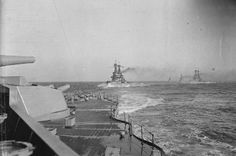 BRITISH SHIPS FIRST WORLD WAR (SP 1690)   British battleships in line astern formation. HMS QUEEN ELIZABETH, BELLEROPHON, SUPERB, ST VINCENT and COLLINGWOOD.