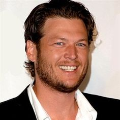 Ahhhh.... Blake Shelton. The cutest country boy alive.
