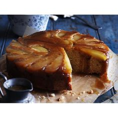 Pear & ginger upside-down cake recipe.Cinnamon syrup adds a further dimension to this moist, fruity pear and ginger upside down cake. Pear Dessert Recipes, Pear Recipes, Cake Recipes, Weekly Recipes, Desert Recipes, Delicious Recipes, Sweet Recipes, Holiday Recipes, Pear And Ginger Cake