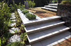 Custom Concrete Patio Step Ideas - How to Create Patio Steps . Patio Steps, Outdoor Steps, Backyard Patio, Backyard Landscaping, Patio Design, Garden Design, Concrete Steps, Diy Concrete, Concrete Porch