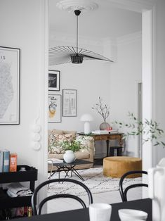 A Light-filled Apartment on Sweden's West Coast (my scandinavian home) - Houses interior designs Scandinavian Interior Design, Apartment Interior Design, Scandinavian Home, Living Room Interior, Living Room Decor, Bedroom Decor, Scandinavian Apartment, Design Interior, Living Room Inspiration