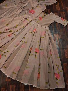 Beautiful Pakistani Dresses, Pakistani Dresses Casual, Indian Gowns Dresses, Indian Fashion Dresses, Pakistani Dress Design, Girls Frock Design, Fancy Dress Design, Stylish Dress Designs, Girls Dresses Sewing