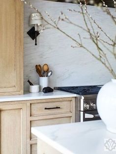 Joanna Gaines farm kitchen cabinets – Home Decor Kitchen – Kitchen Cabinet Decor, Kitchen Interior, Home Decor Kitchen, Wood Kitchen Cabinets, Painted Furniture Colors, Home Decor, Wood Kitchen, Kitchen Cabinet Colors, Kitchen Renovation