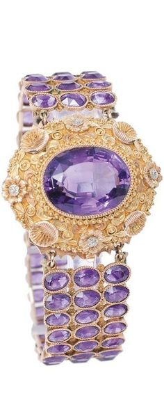 An amethyst bracelet England, c. The clasp with multi coloured gold ornaments of shells and flowers and one large, oval faceted cut amethyst. Amethyst Armband, Amethyst Bracelet, Amethyst Jewelry, Purple Jewelry, Bling Jewelry, Jewelry Bracelets, Bangles, Jewlery, Lila Gold