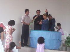 Escola Sabatina e Culto Divino em 01 de Junho de 2013 com batismo de uma família ministrado pelo Pastor Fabio Lazaro.