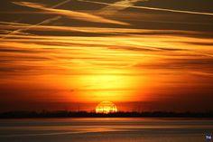 Sonnenuntergang über dem Jadebusen in Wilhelmshaven