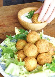 BOULETTES DE POIS CHICHES - Salade de falafels et sauce citronnée