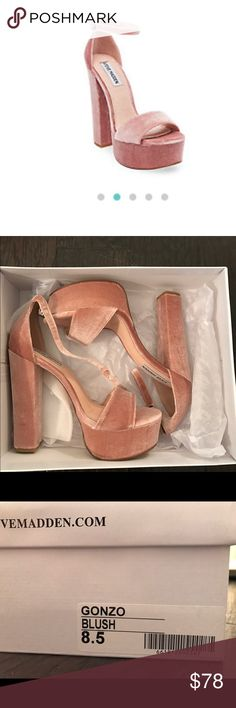 Steve Madden Velvet 'Gonzo' Platform in Blush Brand new in box! What's better than a perfectly proportioned platform sandal with '70s-meets-'90s vibes? A velvet version! Our beloved GONZO silhouette is now available with plush surfaces — just in time for the holidays! Velvet upper material Leather lining Man-made sole 5.25 inch heel height 1.25 inch platform Steve Madden Shoes Platforms