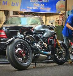 Ducati 1199 Panigale Cafe Racer/Brat Style
