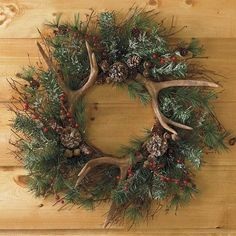 Antlers & evergreen wreath--and I happen to have exactly 3 antlers on hand to make this.the deer shed their antlers naturally every year, and I was lucky enough to find some, I know where to look! Country Christmas, All Things Christmas, Winter Christmas, Christmas Holidays, Christmas Tree With Antlers, Large Christmas Wreath, Christmas Nails, Holiday Wreaths, Holiday Crafts
