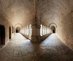 Cloister corner, Senanque Abbaye (par wessel-dijkstra) france - Romanesque