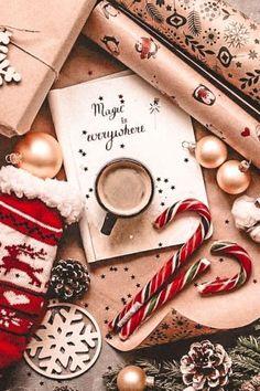 Christmas Collage, Cosy Christmas, Christmas Feeling, What Is Christmas, Christmas Time, Grinch Christmas, Christmas Lights, Christmas Flatlay, Christmas Tables