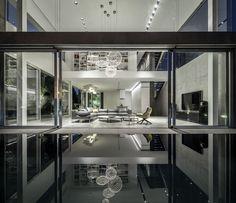 Galeria de Um Corte Concreto / Pitsou Kedem Architects - 14