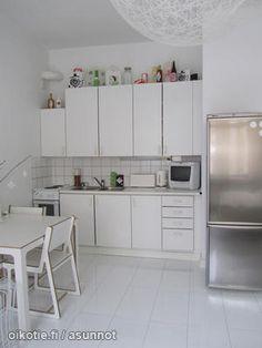 Studio apartment with a white kitchen / Yksiön vitivalkoinen keittiö