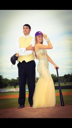 - New Ideas Prom Pictures Couples, Homecoming Pictures, Girl Senior Pictures, Dance Pictures, Homecoming Ideas, Prom Picture Poses, Prom Poses, Picture Ideas, Photo Ideas
