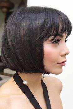 Consider short bob hairstyles, if change is what you seek. It is always fun to try out something new, especially if it is extremely stylish and versatile. 50 Impressive Short Bob Hairstyles To Try Bobbed Hairstyles With Fringe, Haircuts With Bangs, Short Bob Hairstyles, Bob Haircuts, Urban Hairstyles, Trendy Haircuts, Hairstyles 2018, Wedding Hairstyles, Short Hair Cuts For Round Faces