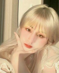 Korean Beauty Girls, Pretty Korean Girls, Asian Beauty, Cute Makeup, Pretty Makeup, Makeup Looks, Ulzzang Hair, Uzzlang Girl, Asian Makeup