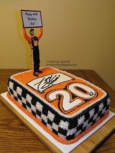 Would rather have Jimmie Johnson on this with no orange... But this is a cute cake still.