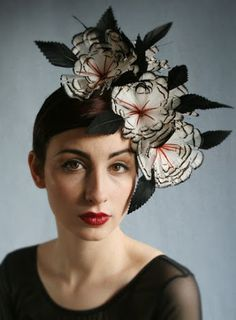 Nadire Atas on Women's Fascinators great flower fascinator Fascinator Hats, Fascinators, Headpieces, Crazy Hats, Church Hats, Fancy Hats, Head Accessories, Love Hat, Hat Hairstyles