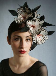 Nadire Atas on Women's Fascinators great flower fascinator Fascinator Hats, Fascinators, Headpieces, Crazy Hats, Fancy Hats, Church Hats, Love Hat, Head Accessories, Hat Hairstyles