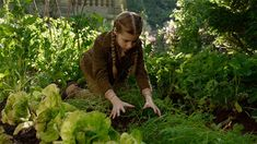 Miss Peregrine's Home for Peculiar Children >> I haven't seen this movie yet, but this gif looks so cool; phytokinesis/plant manipulation is my favourite superpower and it makes me sad that it's still not popular like fire or ice powers