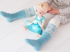 Life with Mari: Frozen- villasukat ♥ OHJE Woolen Socks, Knitting Socks, Knit Socks, Just For Fun, Frozen, Mittens, Knit Crochet, Dinosaur Stuffed Animal, Projects