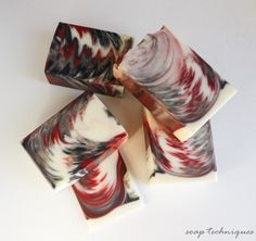 Black Cherry soap - feathered ITP swirl Shows pics of how she did this. Maybe try a test of black with blue and white. Soap Making Recipes, Soap Recipes, Soap Tutorial, Cupcake Soap, Handmade Soaps, Diy Soaps, Beauty Packaging, Cold Process Soap, Home Made Soap