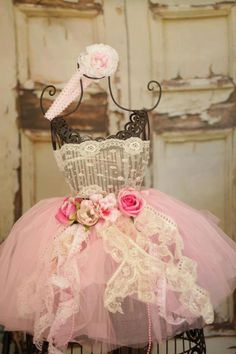 Shabby Chic First Birthday ~ Dress & Bow Prop #shabbychic #party