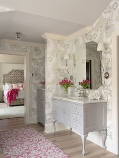 Wallpaper and cabinet sink