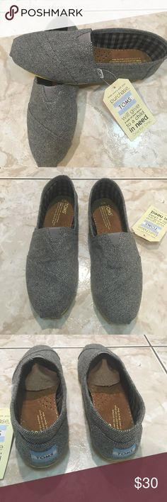 TOMS size W8.5 New with tag missing box TOMS Shoes Flats & Loafers
