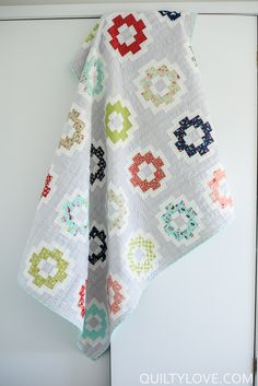 Quilty Love | City Tiles Quilt_The Vintage Picnic Version | http://www.quiltylove.com