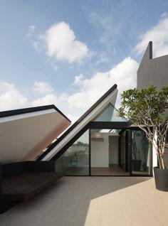 Armadillo house/formwerkz architects