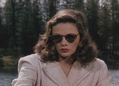 Gene Tierney in Leave Her To Heaven — Technicolor lushness, beautiful sets and saturated colors, and the murky film noir plotting. Hollywood Stars, Old Hollywood, Planet Hollywood, Hollywood Icons, Hollywood Glamour, Classic Hollywood, 1940s Outfits, Gene Tierney, Trending Sunglasses