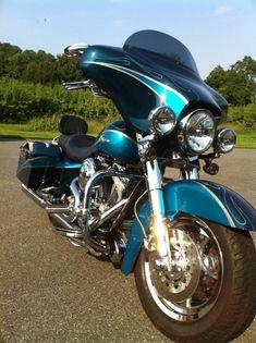 Harley-Davidson : Touring 2005 Harley Davidson FLHTCSE - Electra Glide Screaming Eagle
