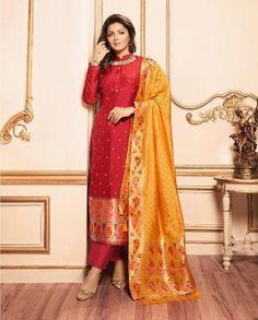 Saree Blouse Patterns, Saree Blouse Designs, Dress Designs, Banarsi Suit, Indian Fashion, Women's Fashion, Silk Kurti, Kurti Styles, Indian Designer Suits